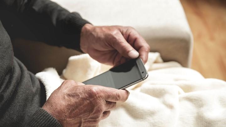 Lg Fernseher Mit Iphone Verbinden : Hörgeräte mit dem smartphone steuern kind